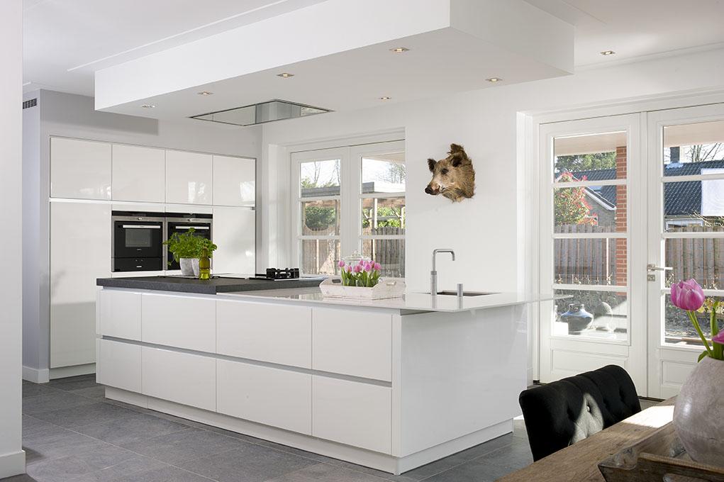 keuken aanbouw wit