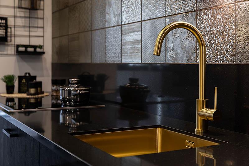 Keuken gouden kraan